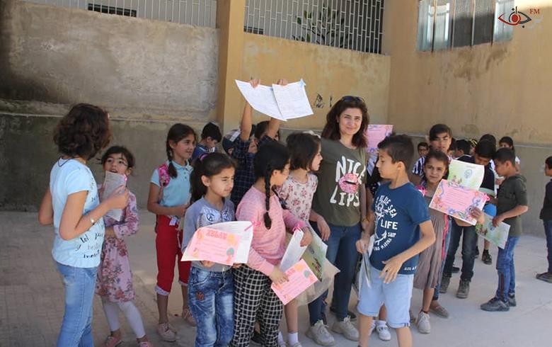 توزيع الجلاءات للمرحلتين الابتدائية والإعدادية في مدارس كوباني وريفها