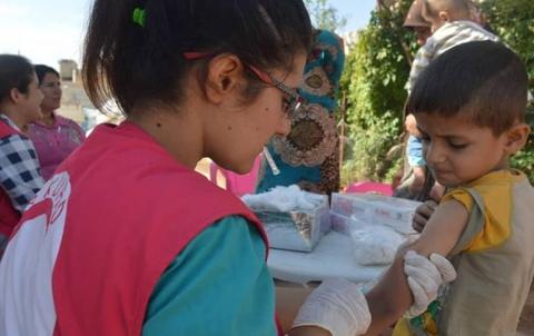الهلال الأحمر يبدأ بحملة اللقاحات ضد مرض الحصبة