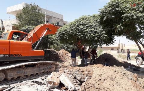 استبدال خطوط الصرف الصحي في حي شهيد يحيى