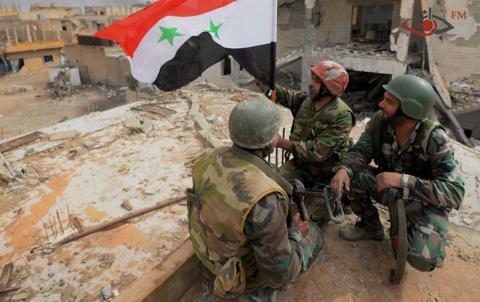 درعا:النظام يرفع العلم في الساحة، ومأساة إنسانيّة
