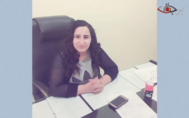 نازحة من تل ابيض اثناء مشاركتها جلسة برجاف تدعو إلى ضرورة الاستمرار وتسليط الضوء على قضايا النازحين
